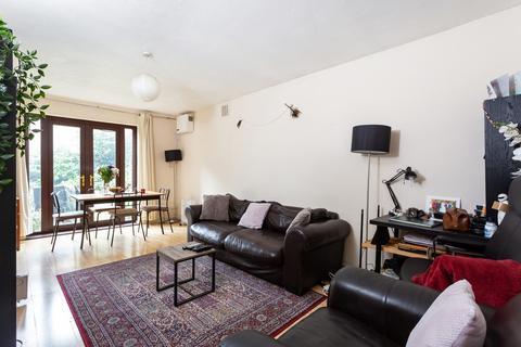 1 bedroom flat for sale - Theatre Street, Battersea, SW11