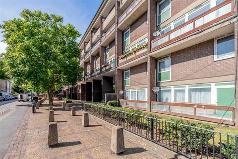 3 bedroom maisonette for sale - Dovet Court, Mursell Estate, SW8