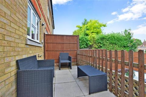 2 bedroom end of terrace house for sale - Royal Rise, Tonbridge, Kent