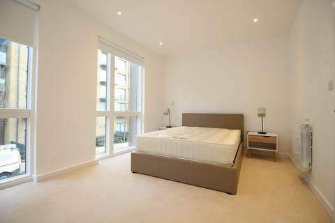 3 bedroom terraced house to rent - Tizzard Grove, London, SE3