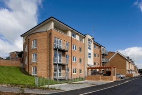 2 bedroom flat to rent - St Hughs Avenue, High Wycombe, Bucks, HP13 7TZ