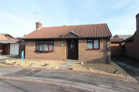 2 bedroom bungalow for sale - Newcroft Gardens, Christchurch, Dorset, BH23
