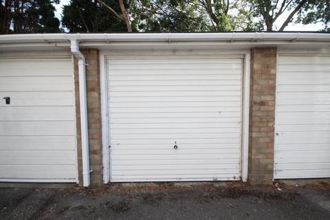 Garage to rent - Penstone Park, BN15