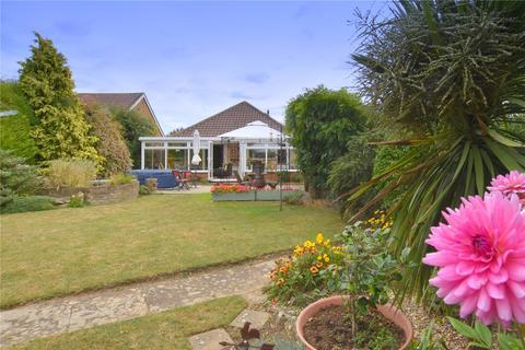 2 bedroom bungalow for sale - Grasmere Avenue, Sompting, Lancing, West Sussex, BN15