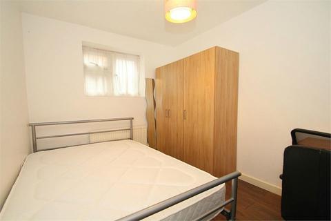 House share to rent - Hawthorn Drive, Denham, Buckinghamshire