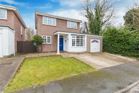 4 bedroom detached house to rent - Eton Close, Datchet, Berkshire