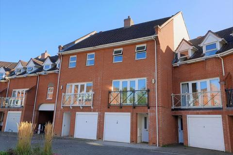 4 bedroom townhouse to rent - West City