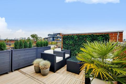 2 bedroom penthouse for sale - Florin Court, Tanner Street