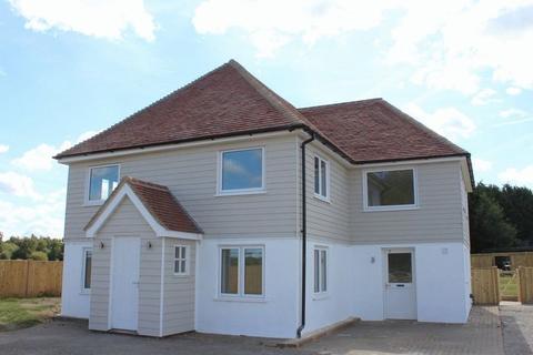 4 bedroom detached house to rent - PADDOCK WOOD