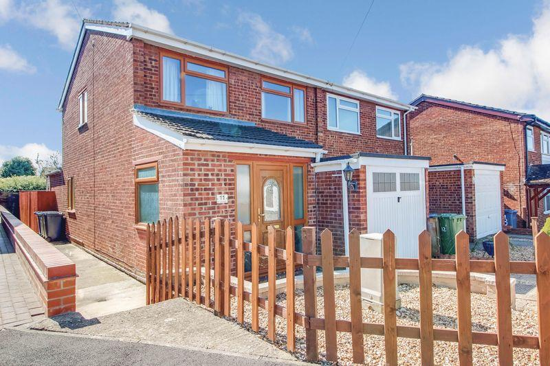 James Court St Neots 3 Bed Semi Detached House To Rent
