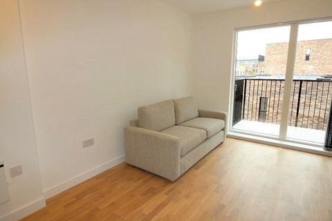 1 bedroom apartment to rent - Islington Wharf Locks, Lockgate Mews