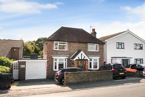 3 bedroom detached house - Hailsham Road, Stone Cross, Pevensey