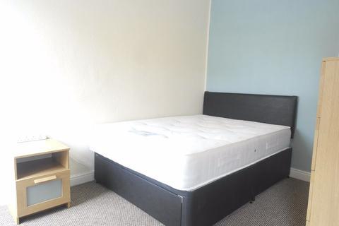 Studio to rent - Worthing Street, Hull