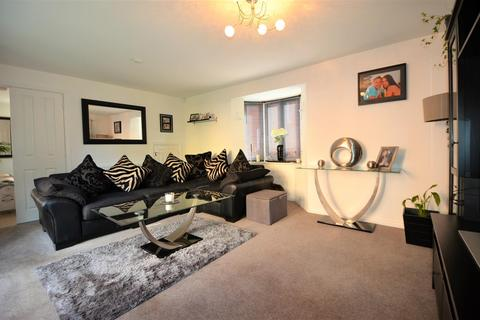 3 bedroom detached house for sale - The Warren, Aylesbury
