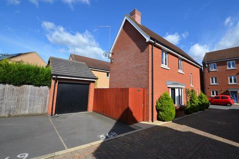 3 bedroom detached house for sale - The Warren, Aylesbury
