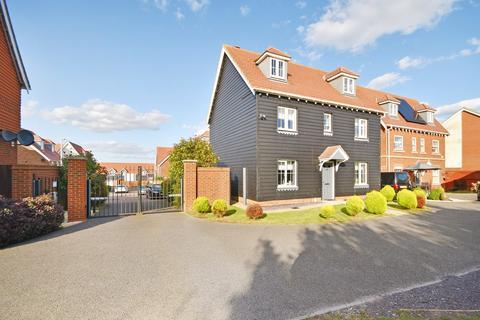 6 bedroom detached house for sale - Lewis Road, Hawkinge, Folkestone, CT18