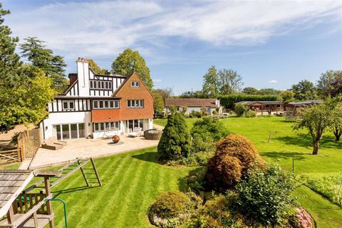5 bedroom detached house for sale - Mogador, Lower Kingswood, Tadworth