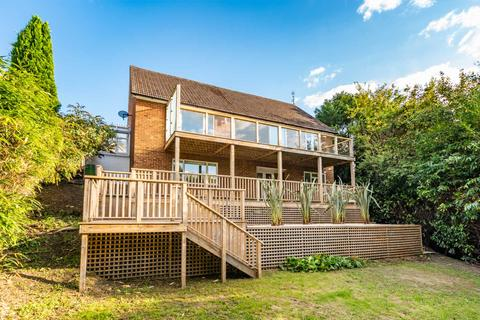4 bedroom detached house for sale - Hardinge Avenue, Southborough