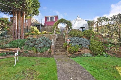3 bedroom semi-detached house for sale - Bannister Road, Maidstone, Kent