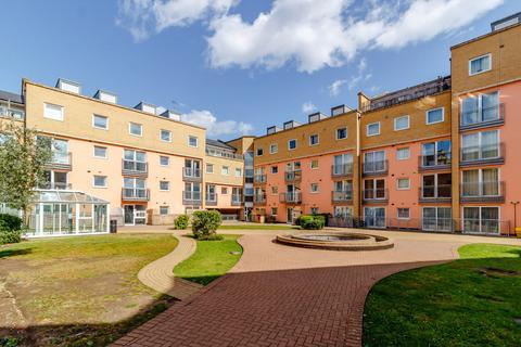 1 bedroom flat for sale - Wooldridge Close, FELTHAM, TW14 8BH