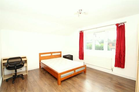 House share to rent - Hawthorn Drive, Denham, Buckinghamshire