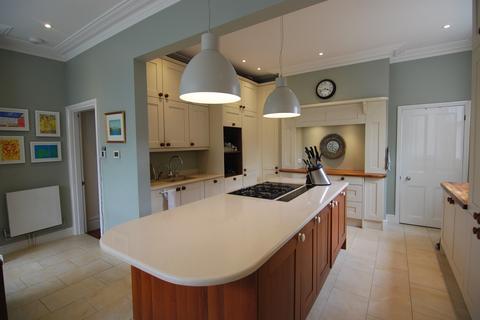 5 bedroom semi-detached house to rent - Pembury Road, Tonbridge