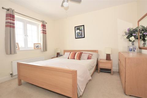 3 bedroom townhouse for sale - Running Foxes Lane, Ashford