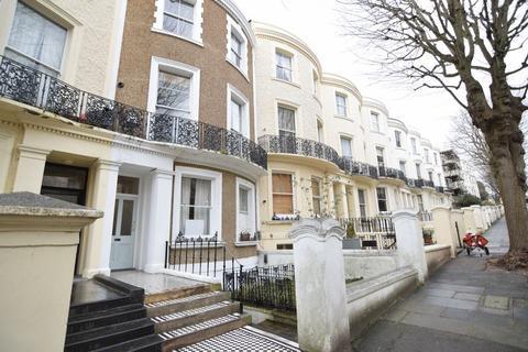 3 bedroom apartment to rent - Brunswick Road, Hove