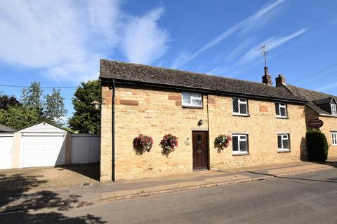 3 bedroom detached house for sale - Gretton Road, Harringworth, Corby