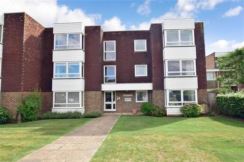 1 bedroom ground floor flat for sale - Woodlands Avenue, Rustington, West Sussex