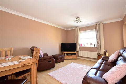 2 bedroom apartment for sale - Osier Drive, Basildon, Essex