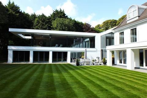 5 bedroom detached house for sale - Llamedos, 4 Hillberry Green, Douglas