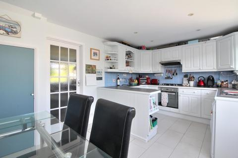 3 bedroom terraced house for sale - Moss Path, Galleywood, Chelmsford, Essex, CM2