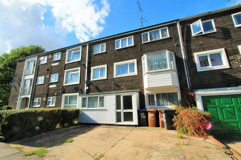 5 bedroom private hall to rent - Northdown Road, Hatfield