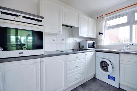 Studio to rent - Colley House, Whitehall Road, Uxbridge, Middlesex UB8 2NZ