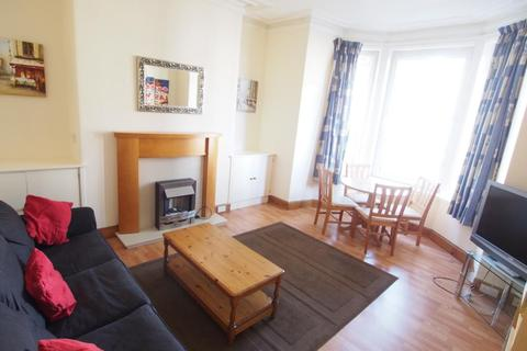 2 bedroom flat to rent - Union Grove, First Floor Left, AB10