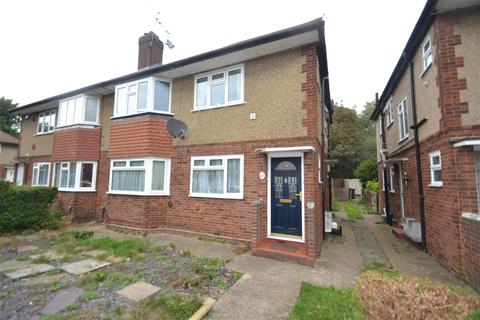 2 bedroom maisonette to rent - Dockwell Close, Bedfont