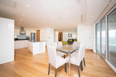 3 bedroom apartment to rent - Arena Tower, 25 Crossharbour Plaza, London, E14