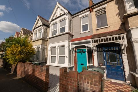 2 bedroom terraced house for sale - Winchester Road, Highams Park, E4
