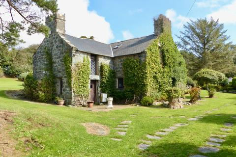 3 bedroom detached house for sale - Cae Tani, Talybont, LL43 2AU