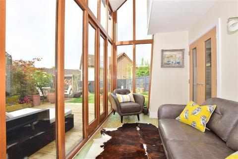 3 bedroom detached house for sale - Moncrif Close, Bearsted, Maidstone, Kent