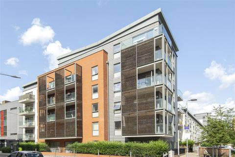 2 bedroom flat to rent - Thorn Apartments, 5 Geoff Cade Way, London, E3
