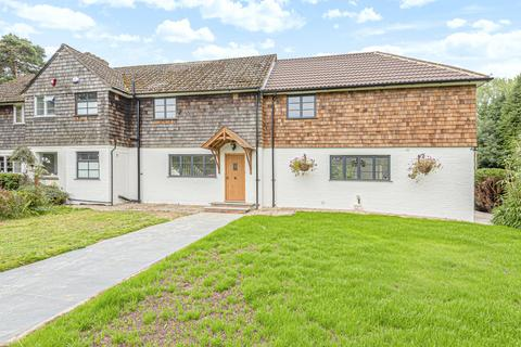 4 bedroom semi-detached house to rent - North Drive, Wilderwick