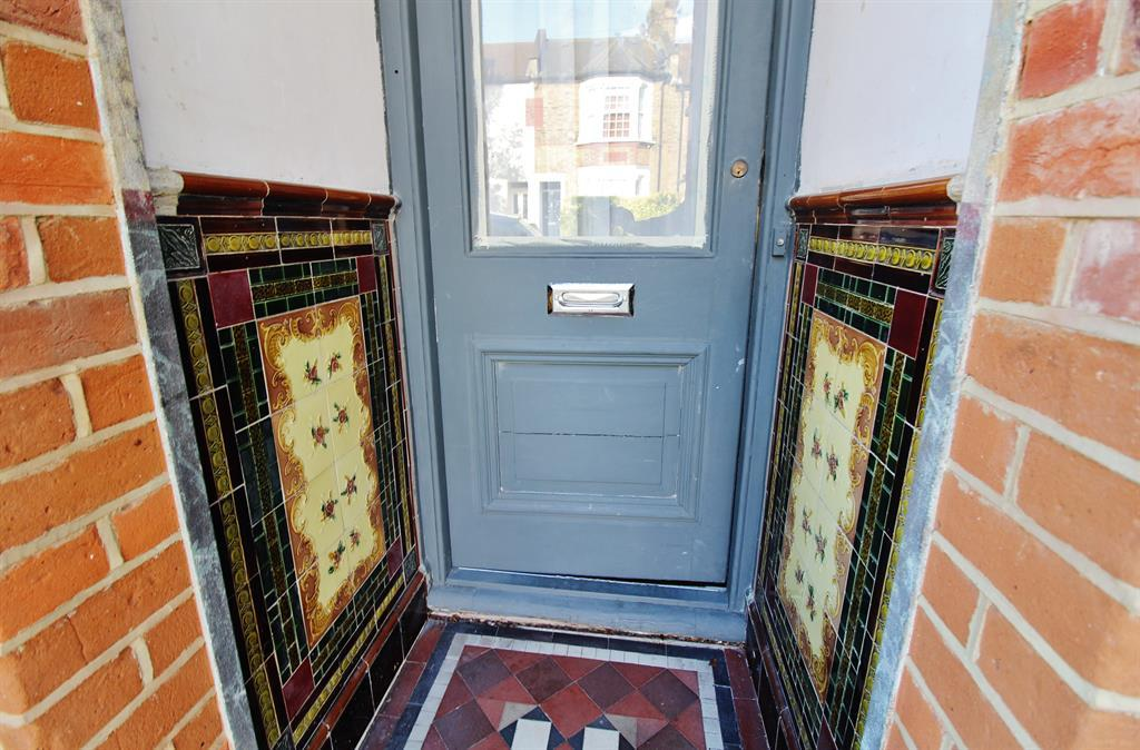 Entrance With Victorian Style Features