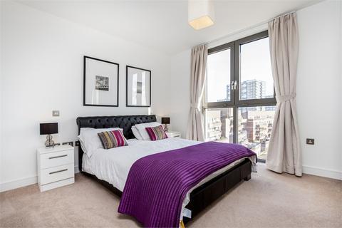 1 bedroom flat to rent - Chamberlain Court, Silwood Street, LONDON
