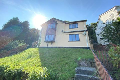 2 bedroom apartment to rent - Penryn