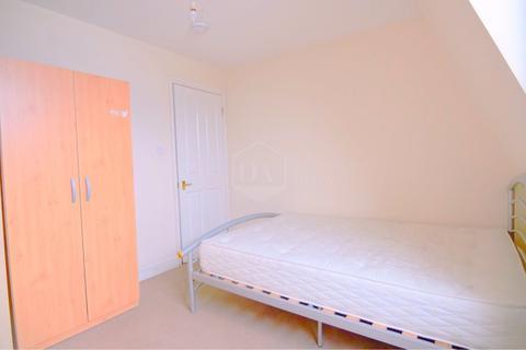 4 bedroom apartment to rent - Tottenham Lane, London