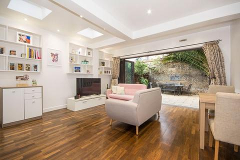 2 bedroom flat to rent - Shelgate Road, Battersea