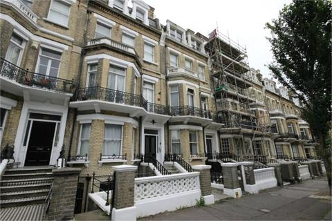 Studio to rent - First Avenue, Hove, East Sussex