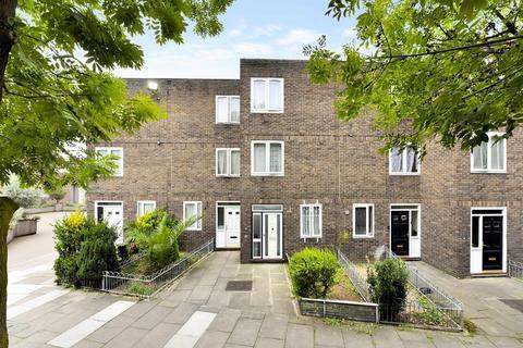 4 bedroom terraced house for sale - Grimsel Path, London SE5